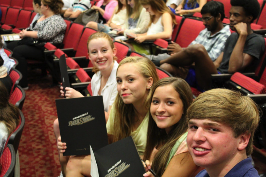 (L-R) Claire McDowell, Caroline Jones, Kennady Galloway, and Healy Vise enjoy the Vanderbilt Road Show.