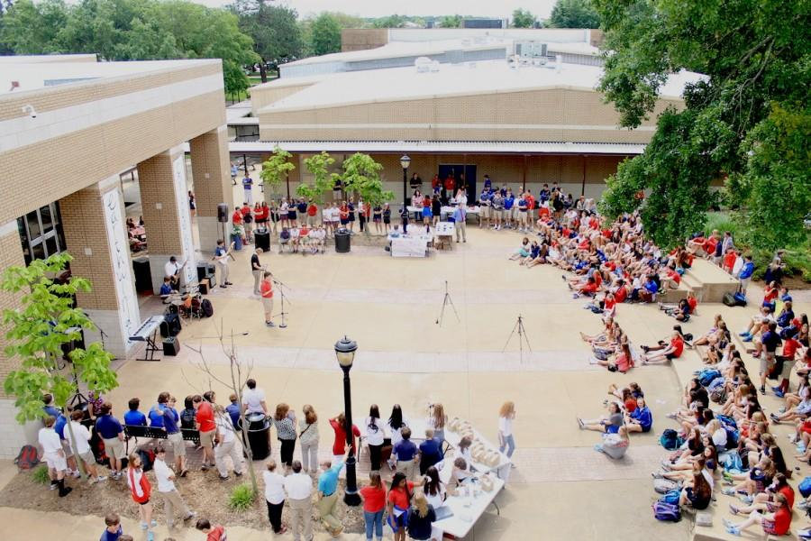 Students gather to watch a Rolling Stones cover. Photo courtesy Brook McCulley.