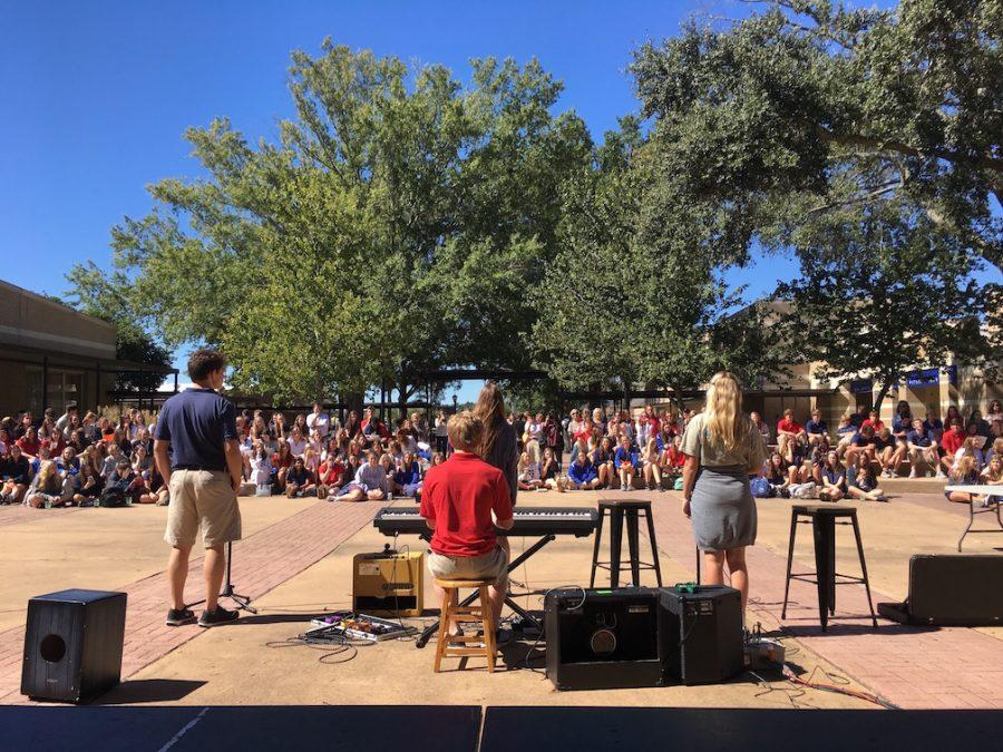Music ushers in fall on campus
