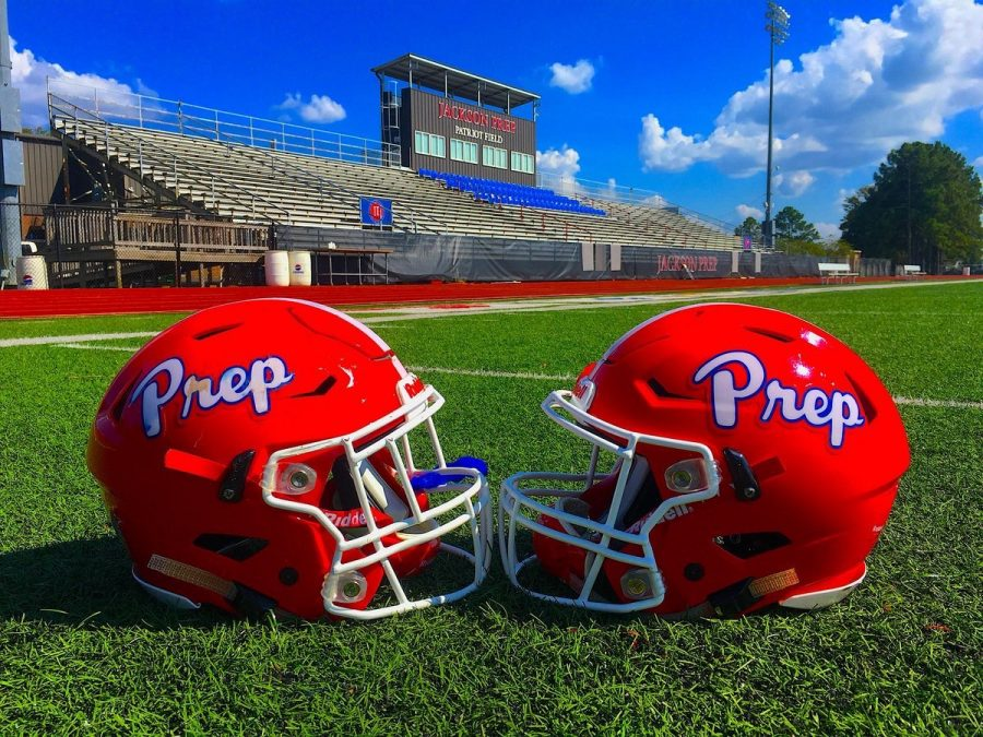 Prep+dominates+Parklane+on+senior+night+42-14