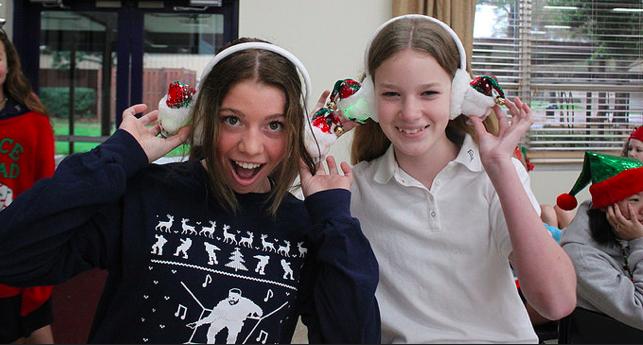 Big Sis/Little Sis party welcomes holiday season