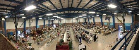 Juniors prepare for annual class garage sale