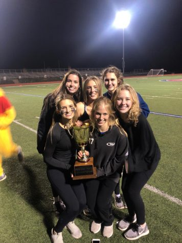 Junior girls emerge victorious in annual Powderpuff game