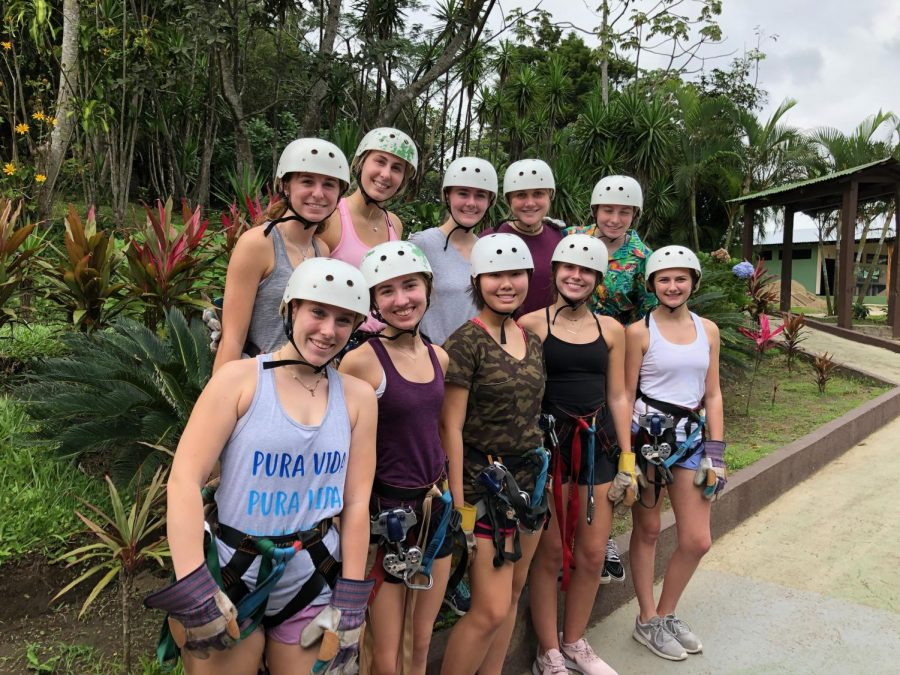 Students travel to Costa Rica over Thanksgiving break