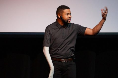 Inky Johnson speaks to students about not giving up