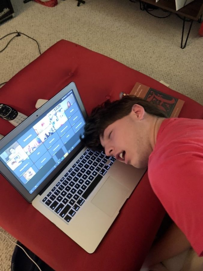 The plight of many students in the age of coronavirus: in front of a screen and falling asleep