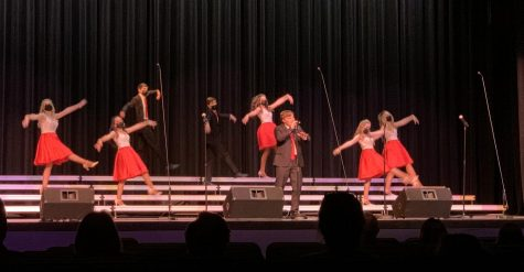 Show choir performs Fall Fanfare